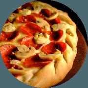 Especiais: Pepperoni - Pizza Média (Ingredientes: Alho Frito, Champignon, Gorgonzola, Molho de Tomate Cuko