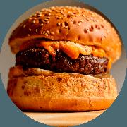 Hamburger: Cheddar Crunch! - Hambúrguer (Ingredientes: Burger da Casa de 200g, Cebola na Ceveja, Cheddar Cremoso, Farofa De Bacon, Maionese Caseira)