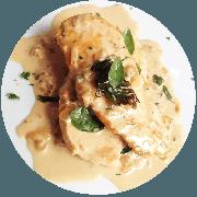 Frango: Filé de Frango ao Molho de Requeijão Light - prato (Ingredientes: (+2 Acompanhamentos), Filé de Frango ao Molho de Requeijão Light, Manjericão)