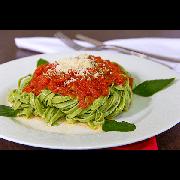 Massas: Talharim Espinafre - Pequena 600g (Ingredientes: Receita especial bel mangio, Massa caseira italiana de espinafre)