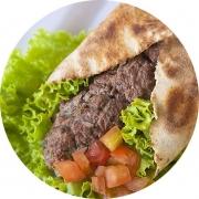 Kebab´s: Kafta - Kebab´s (Ingredientes: Pão Sírio, Alface, Tomate, Cebola, Creme de Alho, Kafta)