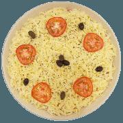 Pizzas Salgadas Semi Pronta: Americana (08) - Pizza Grande (Ingredientes: Azeitona, Molho de Tomate, Mussarela, Orégano, Presunto, Tomate)