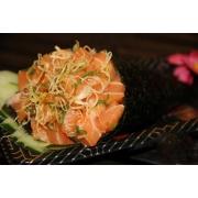 Temaki Especiais: Temaki do Sushiman - Salmão Grelhado, cream cheese flocos crocante, alho poró