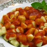 Nhoque: Nhoque A Bolognesa (Serve 2 pessoa ) - Massas (Ingredientes: Bolonhesa)