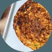 Omelete: Carne de Sol - Omelete (Ingredientes: 2 ovos, Carne de sol desfiada, Cebolinha, Queijo coalho, Tomate)