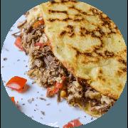 Crepioca: Da Casa - Crepioca (Ingredientes: Carne desfiada, Queijo coalho, Tomate)