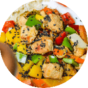 Frango: Filé de Frango Oriental com Legumes Picantes - prato (Ingredientes: (+2 Acompanhamentos), Acelga, Cenoura, Filé de Frango em Cubinhos ao Molho Shoyu Light, Pimentões)