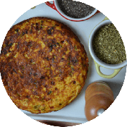 Omelete: Queijo - Omelete (Ingredientes: 2 ovos, Cebolinha, Queijo coalho, Tomate)
