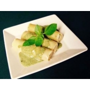 Caneloni: Caneloni Lombo c/ Queijo e Ameixa - Massas (Ingredientes: Lombinho, Queijo, Ameixa)