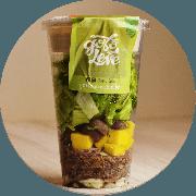 Salada: Salada Nordestina no Pote - Salada (Ingredientes: Alface americana, crespa, rúcula, azeitona preta, manga, cebola, carne de sol, queijo minas e molho)