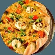 Novidade: Siri Picante (RECEITA NOVA) - Pizza Média (Ingredientes: Cebola, Cream Cheese, Molho de Pimenta, Molho de Tomate Cuko
