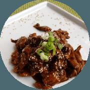 Frango: Frango Teriyake - prato (Ingredientes: (+2 Acompanhamentos), Filé de Frango em cubinhos ao molho teriyaki)