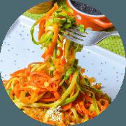 Massas: Massa Low Carb - Massa feita com abobrinha, cenoura e molho de tomate rústico