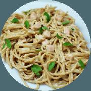 Massas: Espaguete Carbonara - Espaguete integral a Carbonara feito com Peito de Peru.