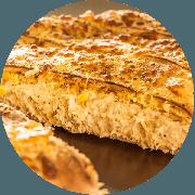 Calzone: Frango Com Cream Cheese - Calzone Grande (Ingredientes: Orégano, Milho, Cream Cheese, Muçarela, Frango Desfiado e Temperado)