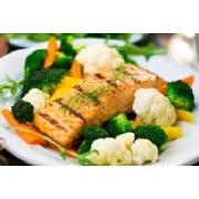 Peixes: Peixe Grelhado - A La Carte Pequeno (Ingredientes: filé de peixe grelhado. acompanha: arroz especial ( cenoura e ervilhas ) e legumes ( abobrinha, cenoura e brócolis ).)