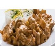 Carnes: Strogonoff de Filé - A La Carte Pequeno (Ingredientes: filé de carne ao molho ao creme. acompanha arroz branco e pure.)