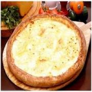 Pizzas Tradicionais: Quatro Queijos - Pizza Pequena (Ingredientes: Gorgonzola, Molho de Tomate, Mussarela, Orégano, Parmesão, Provolone)