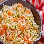 Espaguete: Espaguete ao Camarão - Massa Grande (Ingredientes: Camarão médio refogado ao molho ao creme. misturado ao espaguete.)