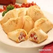 Calzone: Misto - Calzone Grande (Ingredientes: Catupiry, Molho de Tomate, Mussarela, Orégano, Parmesão, Presunto)