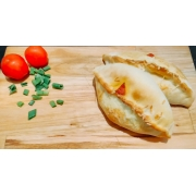 Mini Calzones: Pepperoni - Esfihas e Mini Calzones (Ingredientes: Catupiry, Muçarela, Pepperoni)