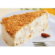 Sobremesas: Torta Almendrada - Sorvete de amêndoa c/ farofa crocante e amêndoas picadas